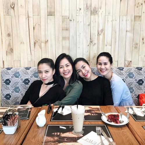 Hoi ban than cua Tang Thanh Ha van gan bo sau 10 nam-Hinh-2