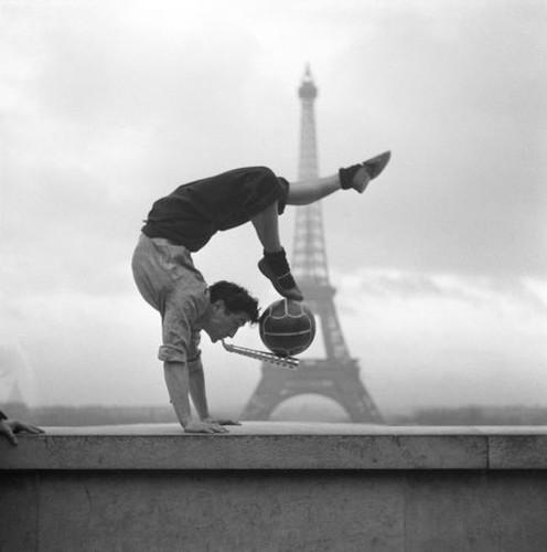 Ngam Paris the ky truoc qua nhung buc anh den trang-Hinh-5