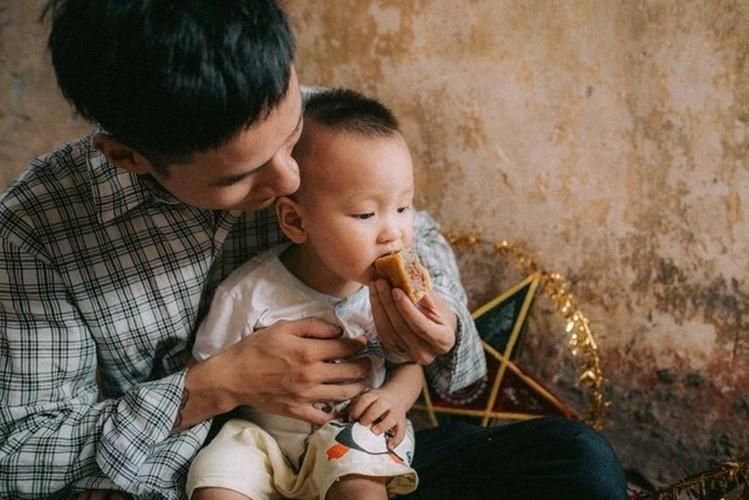 "Xuc dong bo anh Tet Trung thu ""Ga trong nuoi con"" thoi bao cap-Hinh-11"