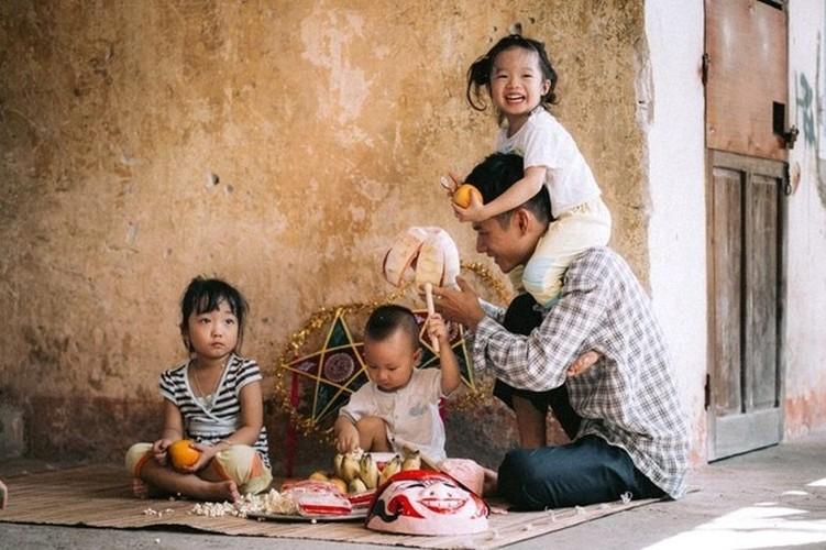 "Xuc dong bo anh Tet Trung thu ""Ga trong nuoi con"" thoi bao cap-Hinh-12"