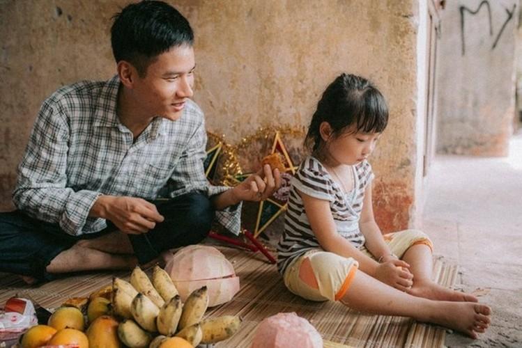 "Xuc dong bo anh Tet Trung thu ""Ga trong nuoi con"" thoi bao cap-Hinh-7"