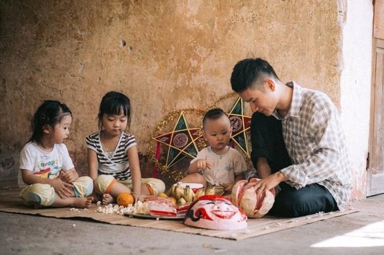 "Xuc dong bo anh Tet Trung thu ""Ga trong nuoi con"" thoi bao cap"