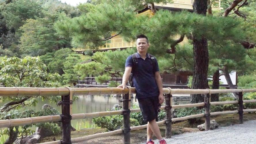 Ban cong nho xinh thom ngat hoa hong cua cua ong bo dam Yen Bai