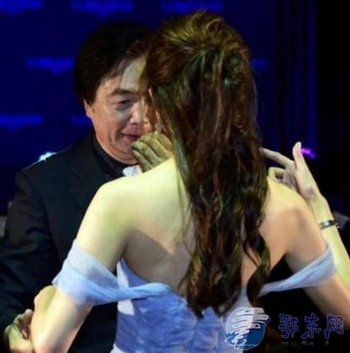 Lam Chi Linh thuong xuyen bi sam so do an mac qua goi cam-Hinh-2