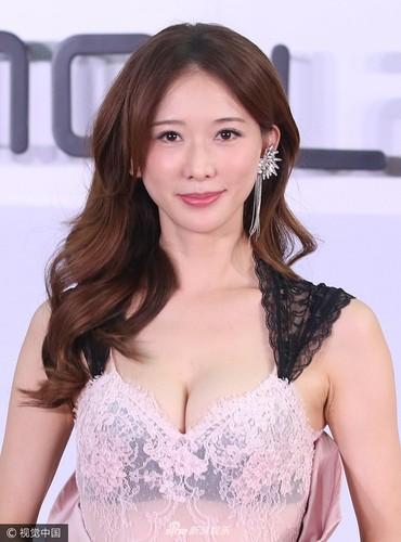 Lam Chi Linh thuong xuyen bi sam so do an mac qua goi cam-Hinh-3