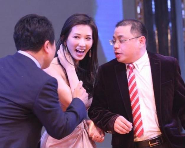 Lam Chi Linh thuong xuyen bi sam so do an mac qua goi cam-Hinh-4