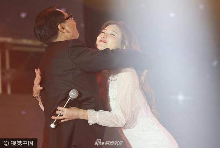 Lam Chi Linh thuong xuyen bi sam so do an mac qua goi cam-Hinh-6
