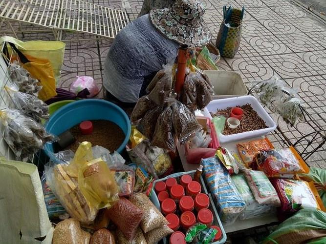 Net que doc dao o khu cho chuyen ban sau bo tai TP.HCM-Hinh-2