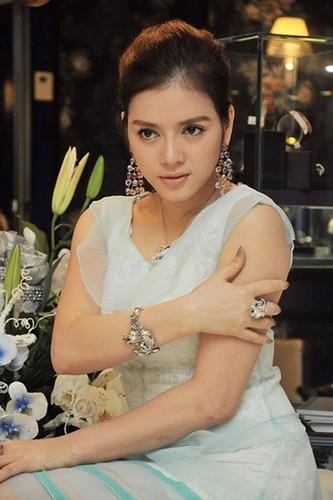 """Hoa mat"" voi khoi tai san kech xu cua Ly Nha Ky-Hinh-4"
