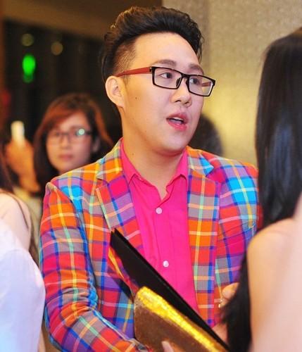My nam Viet dua nhau danh son nhu con gai-Hinh-10