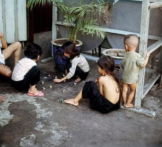 Tro choi thoi bao cap binh di cua tre em Viet Nam-Hinh-10