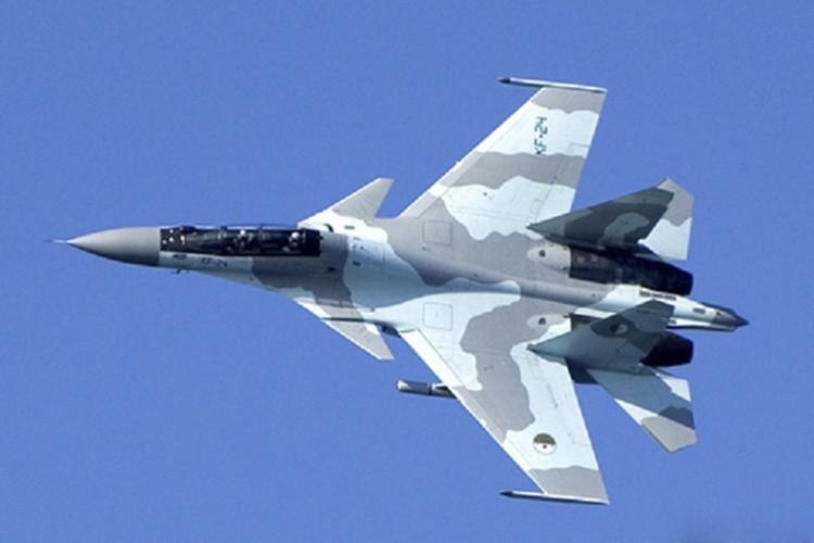 Giai ma cac loai dong ho trong buong lai tiem kich Su-30