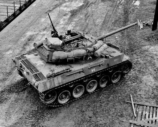 Quai di phao tu hanh chong tang M18 Hellcat cua My-Hinh-8