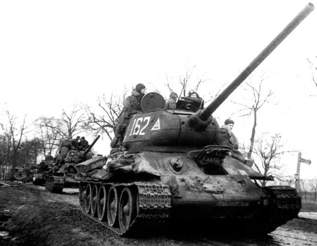 Xe tang T-34 va chien thuat