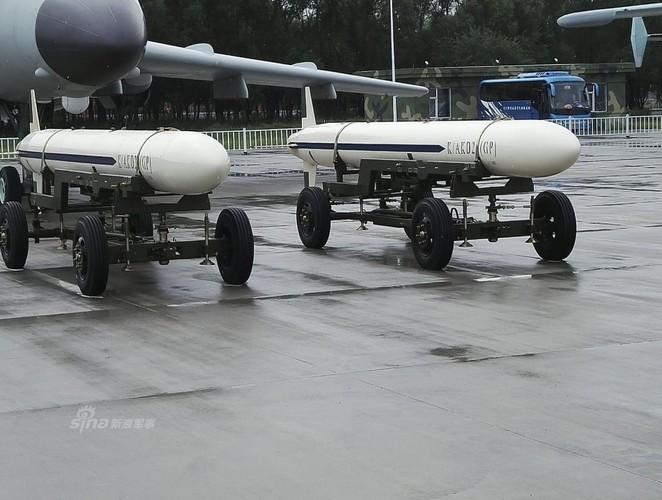 Giat minh kha nang mang bom cua oanh tac co H-6K-Hinh-6