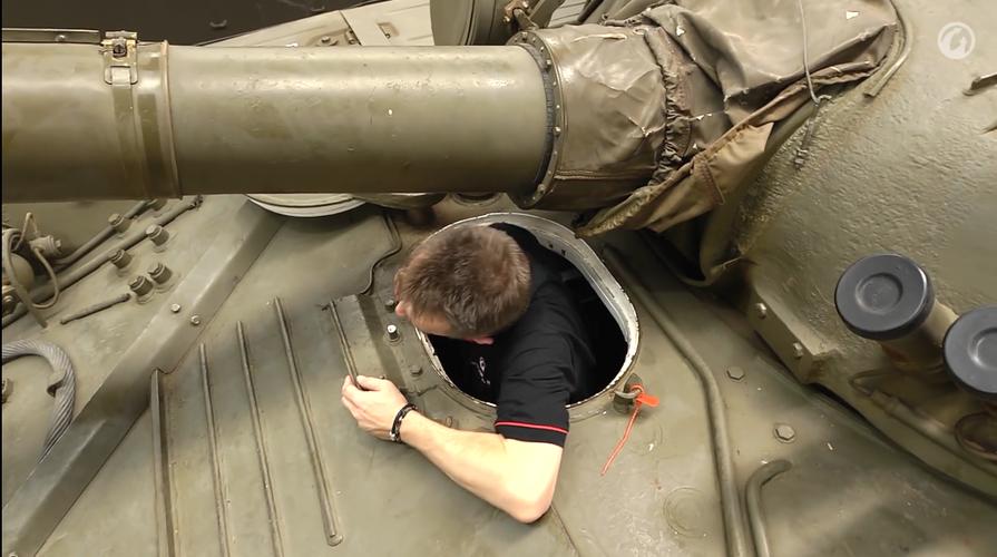 Dieu chua biet ben trong xe tang T-72 huyen thoai nuoc Nga-Hinh-19
