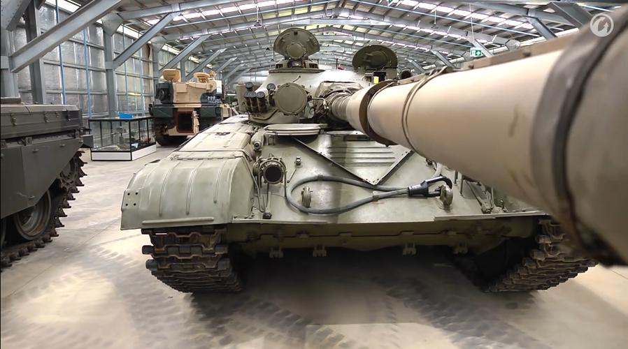 Dieu chua biet ben trong xe tang T-72 huyen thoai nuoc Nga