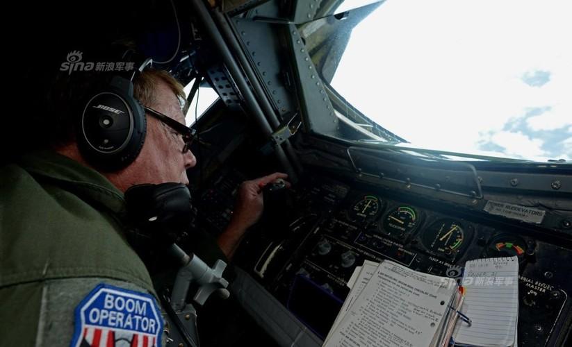 "May bay nem bom  B-1B Lancer ""dap dom"" o Bien Dong-Hinh-2"