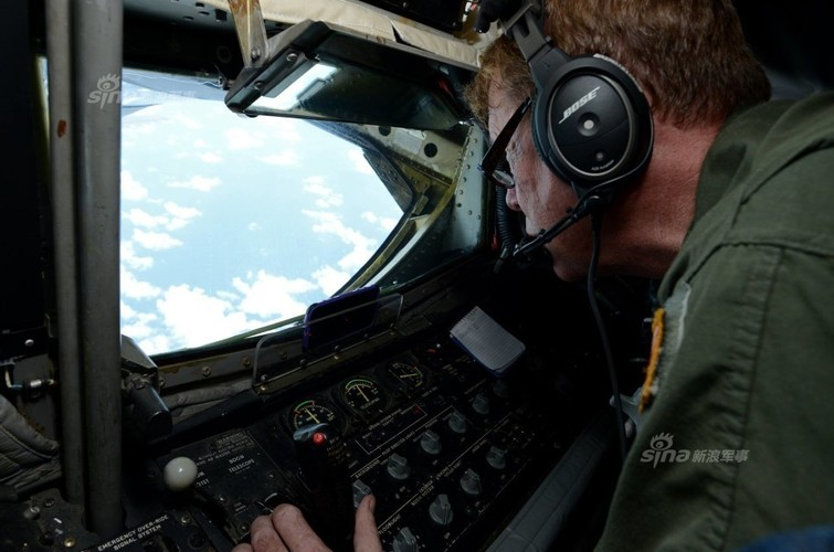 "May bay nem bom  B-1B Lancer ""dap dom"" o Bien Dong-Hinh-6"