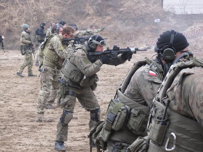 Giai ma vu khi ban guc trum khung bo Osama bin Laden-Hinh-7