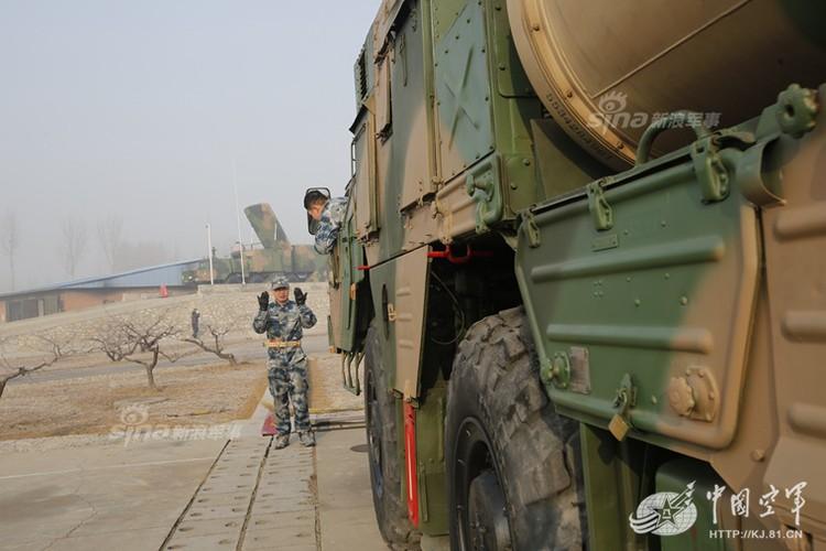 Mo kho ten lua phong khong S-300 khong lo cua Trung Quoc-Hinh-4