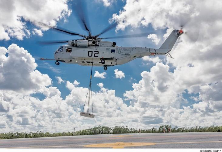 "Truc thang hang nang CH-53 co xung danh ""Taxi bay""?-Hinh-2"