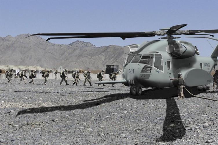 "Truc thang hang nang CH-53 co xung danh ""Taxi bay""?-Hinh-4"