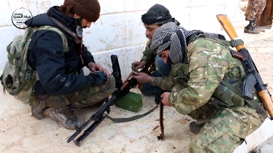 Kinh ngac vu khi cua chien binh Su doan Hamza o Syria-Hinh-4