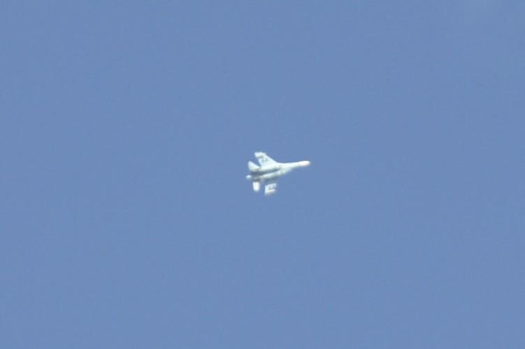 Ngo ngang canh tiem kich Su-27 hon chien F-16 o vung 51-Hinh-5