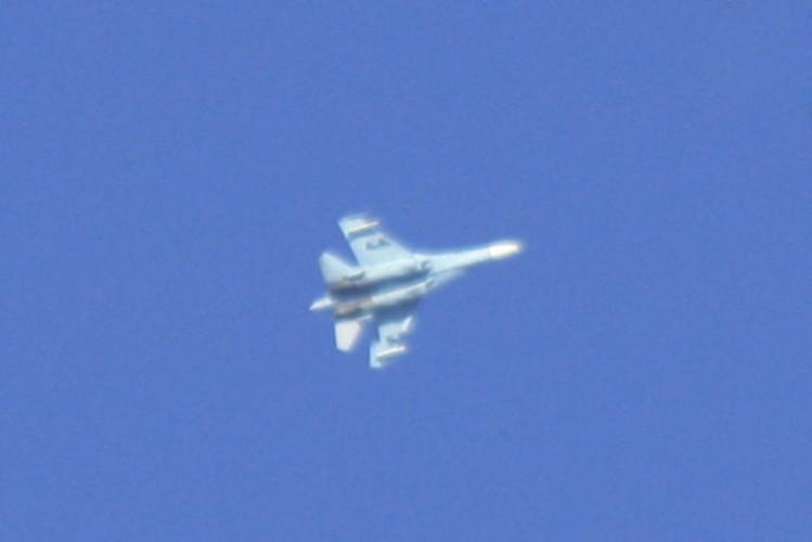 Ngo ngang canh tiem kich Su-27 hon chien F-16 o vung 51-Hinh-7