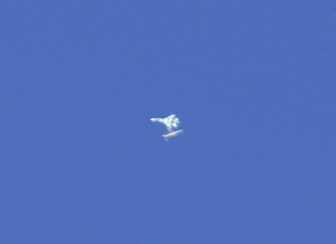 Ngo ngang canh tiem kich Su-27 hon chien F-16 o vung 51