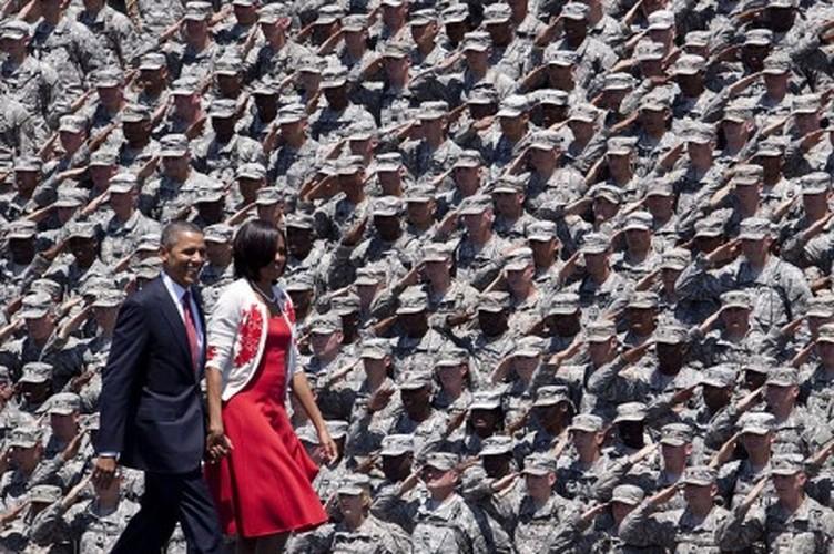 Loat anh kho quen Tong thong Obama voi Quan doi My-Hinh-11