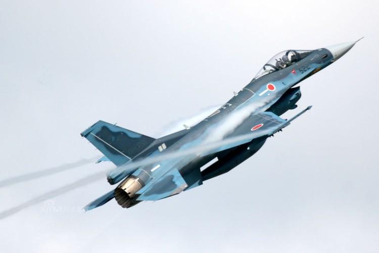 Dat khung khiep may bay chien dau F-2 cua Nhat Ban-Hinh-5