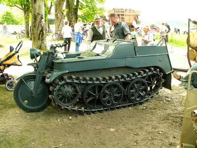 Cuc ngau xe may chien truong Sdkfz 2 cua Duc trong CTTG2-Hinh-10