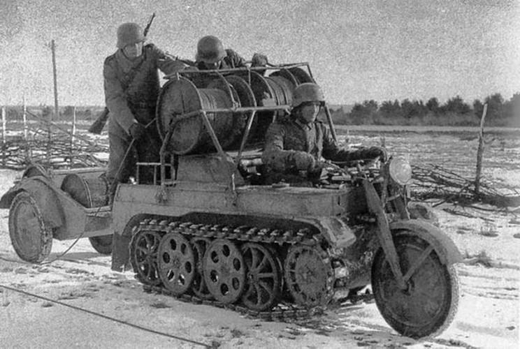 Cuc ngau xe may chien truong Sdkfz 2 cua Duc trong CTTG2-Hinh-9