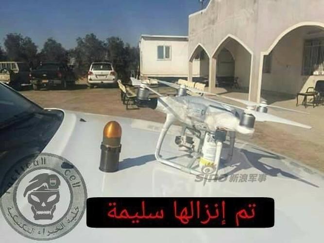 """Giat minh """"may bay nem bom"""" cua phien quan IS-Hinh-5"""