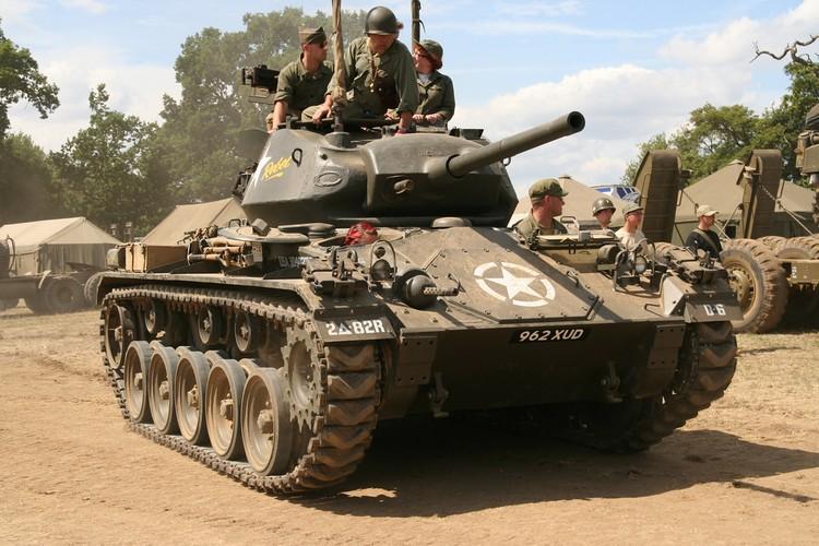 La ky so phan cua xe tang M24 Chaffee My-Hinh-9