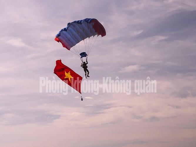 Khoanh khac dep cua nguoi linh du Viet Nam-Hinh-4
