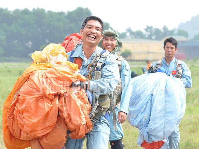 Khoanh khac dep cua nguoi linh du Viet Nam-Hinh-5