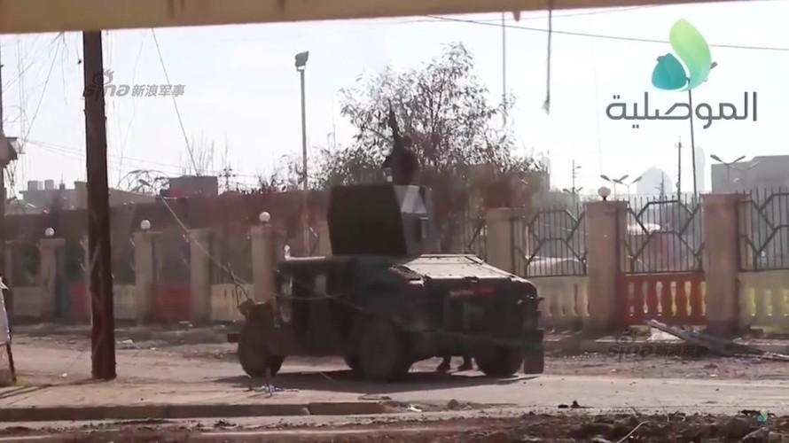 Hai hung loat vu khi Quan doi Iraq vua tom duoc o Mosul-Hinh-5
