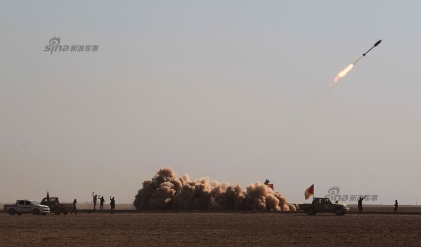 Loat dai lien va phao tren xe ban tai cua Quan chinh phu Syria-Hinh-7