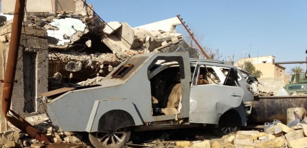 Kho do xe boc thep moi cua phien quan IS o Syria-Hinh-3