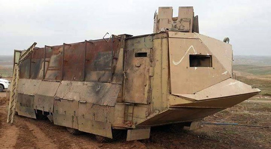 Kho do xe boc thep moi cua phien quan IS o Syria-Hinh-5