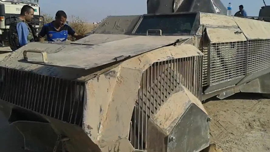 Kho do xe boc thep moi cua phien quan IS o Syria-Hinh-6
