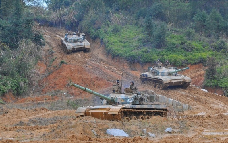 Muc kich xe tang Type 96 cua Trung Quoc loi bun-Hinh-3