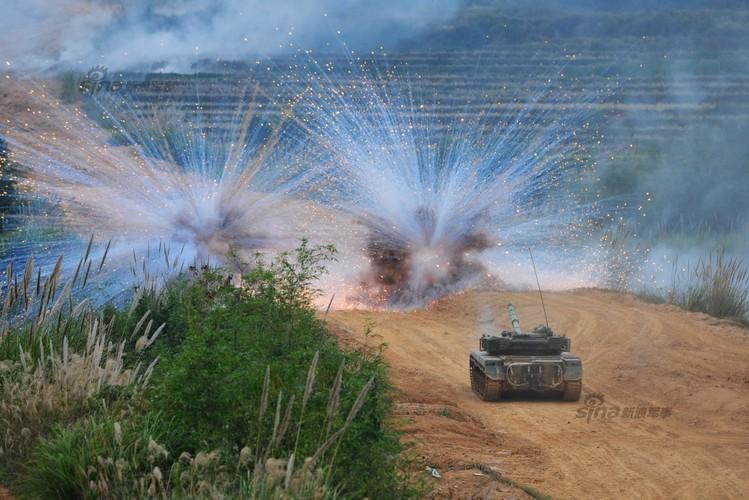 Muc kich xe tang Type 96 cua Trung Quoc loi bun-Hinh-9
