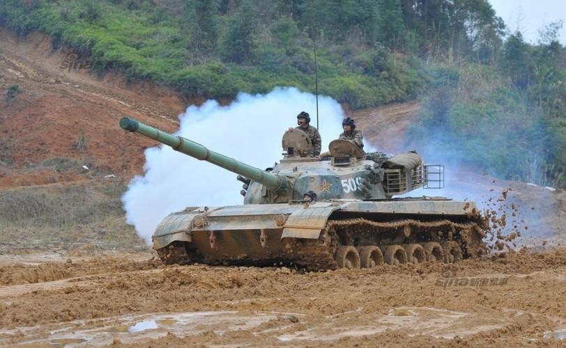 Muc kich xe tang Type 96 cua Trung Quoc loi bun