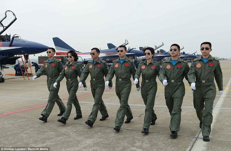 Ngo ngang nhan sac phi cong Khong quan Trung Quoc-Hinh-3