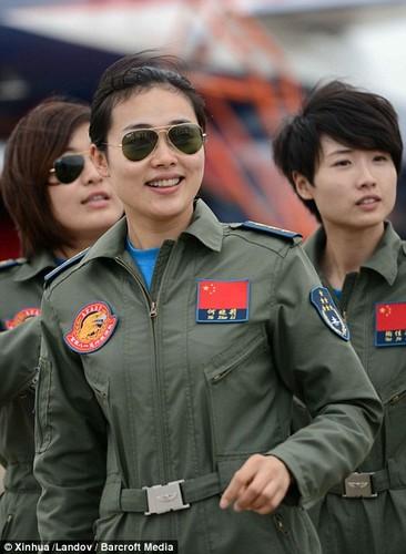 Ngo ngang nhan sac phi cong Khong quan Trung Quoc-Hinh-5