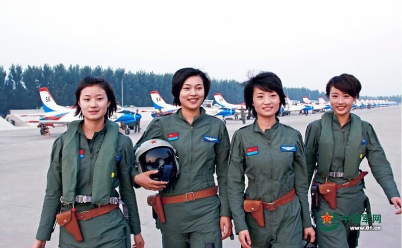 Ngo ngang nhan sac phi cong Khong quan Trung Quoc-Hinh-7